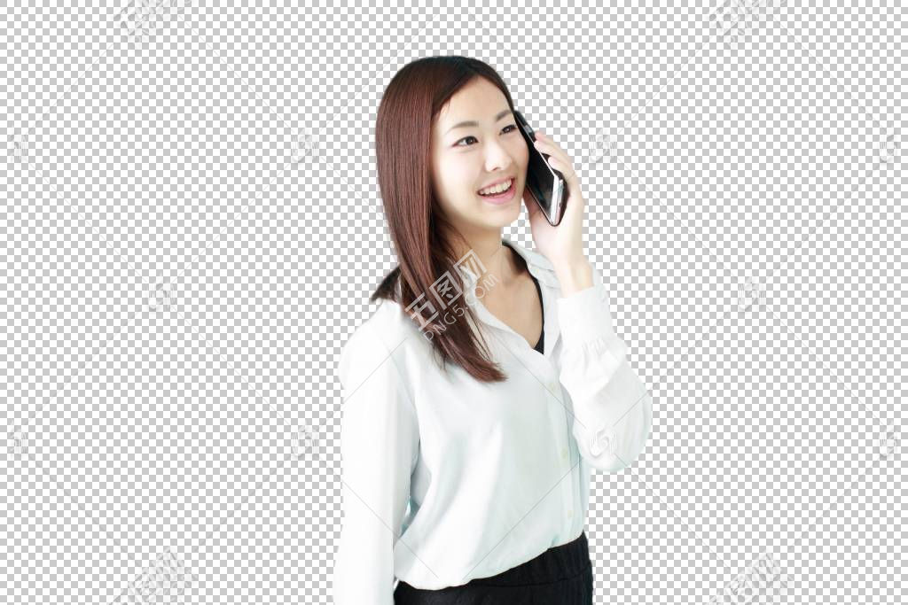 接打手机电话的白色衬衫职场女性